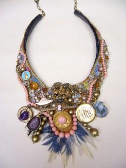 Parure collier (commande à partir d'objets personnels)