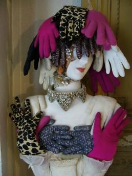 Vénus aux gants - Sculpture - Hauteur 98cm largeur 40cm - 2010
